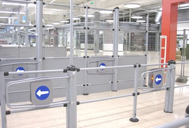 Gates and railing systems